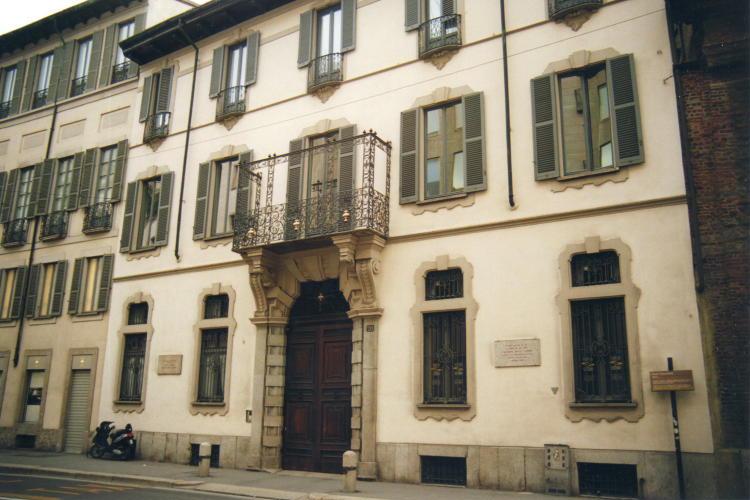 Milano casa di arturo toscanini for Piani di casa artigiano california